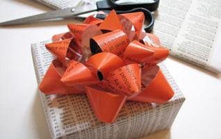 Comment faire un paquet cadeau avec du papier maison - Comment faire papier cadeau ...